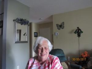 Ici apparaît une photo de Mme Josette Lachance à son domicile